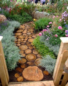 32-Reuse-an-old-tree-to-make-a-log-pathway.-Share-if-you-like-the-idea.